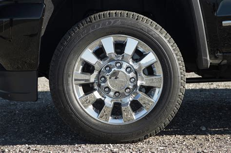gmc 2500hd rims 2015 gmc denali 2500hd wheels photo 11