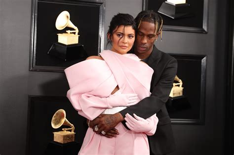 grammys  red carpet couple moments  cardi