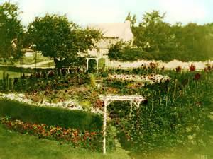 Urban Gardening Book - a look back at vintage wisconsin gardens 187 urban milwaukee