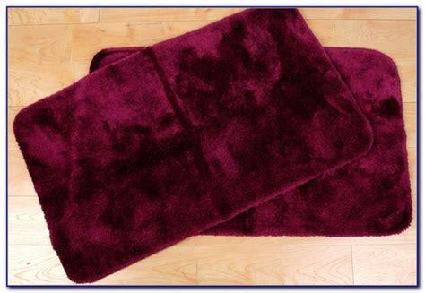 burgundy bathroom rugs burgundy area rugs rugs home design ideas kvndbbzq5w56659