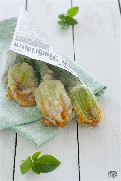 pastella per fiori di zucca ripieni fiori di zucca ripieni in pastella senza uova