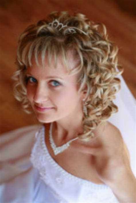 Wedding Hairstyles For Permed Hair by Permed Hair Styles