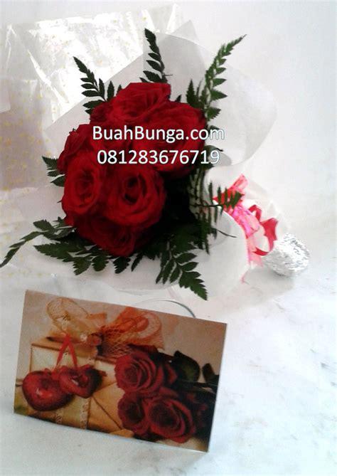 Buket Bunga Bulat Paralon Bakar jual bunga handbouqet mawar merah di jakarta 081283676719 kode bb hb 13 buahbunga