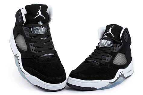 cool basketball shoes for boys nike air retro 5 oreo black cool grey white