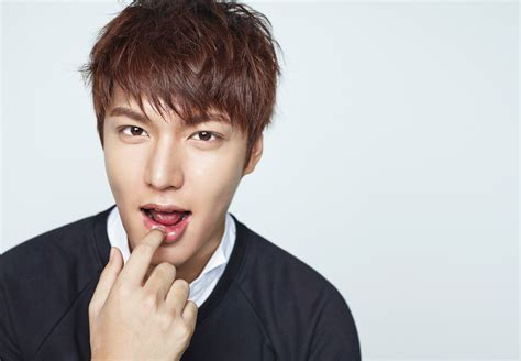 lee min ho biography interview lee min ho talks about his new movie sunbae kim rae won