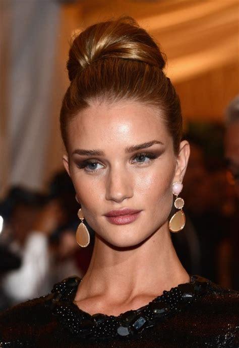 celebrity hairstyles buns rosie huntington whiteley bun updo hairstyle for