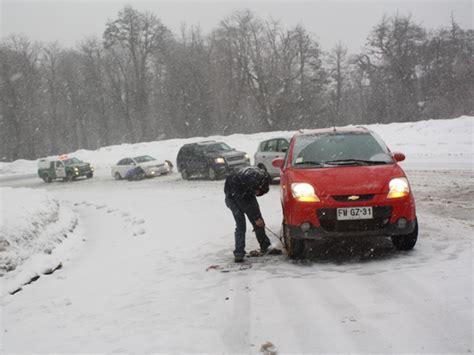 arriendo cadenas para nieve temuco la limpieza de nieve y la colocaci 243 n de cadenas en
