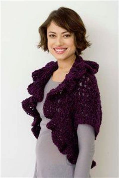 ruffled crochet shrug pattern 56 best handwerk truien jurken etc images on pinterest