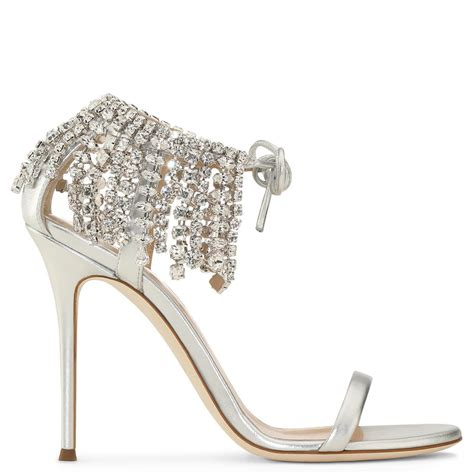 Designer Wedding Shoes For by Dazzling Designer Wedding Shoes For The Fashionista