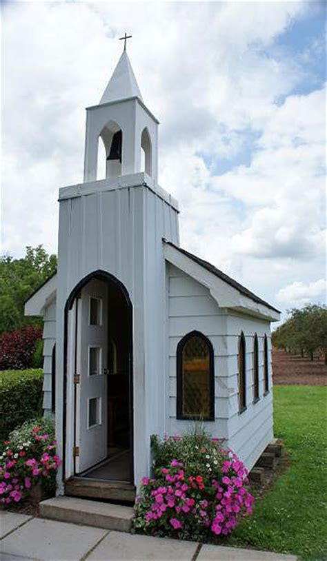 niagara falls ontario  living water wayside chapel