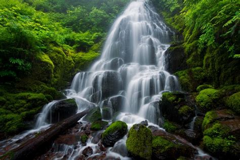 13 jaw dropping and world s most beautiful waterfalls