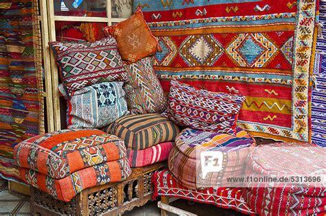 teppiche marrakesch afrika alt angebot bunt kopfkissen marokko marrakesch