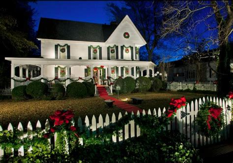 homes decorated for christmas outside outdoor festive holiday decor for your home
