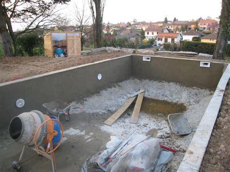 Construire Sa Piscine Parpaings 3596 by Construire Une Piscine Les Enduits Hydrofuge Aux Murs