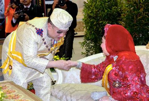 sultan muhammad  leaves  kl  ascend throne