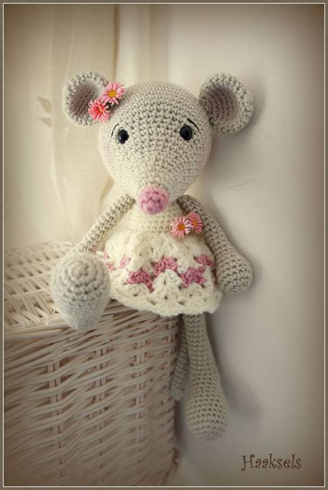 pattern crochet mouse ravelry marion1978 s long legged mouse in a vest