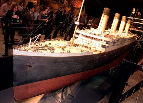 Set Kroncong Ad 2 Model titanic replica to set sail in 2018