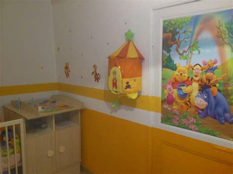 chambre de bébé winnie l ourson cuisine blanc mur gris