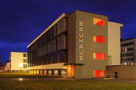 night   bauhaus  famous architecture school