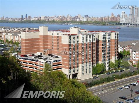 riverbend appartments riverbend apartments west new york 125283 emporis
