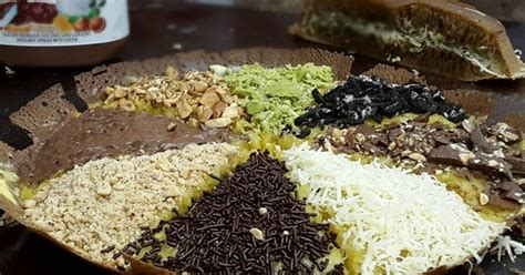 resep membuat martabak hitam resep martabak ketan hitam bagus topping keju nutella