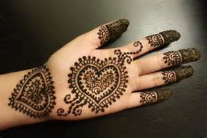 Artistic Home Decor 10 Inspiring Mehndi Designs For Kids Livinghours