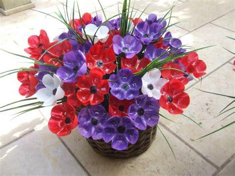 fiori con bicchieri di plastica fiori e bouquet dalle bottiglie di plastica greenme