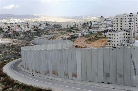 the wall and the gate israel palestine and the battle for human rights books activist news what is political zionism the