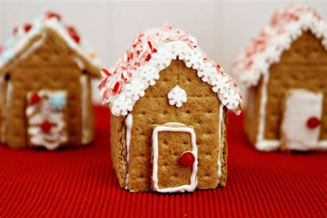 graham cracker gingerbread house graham cracker gingerbread houses think crafts by createforless