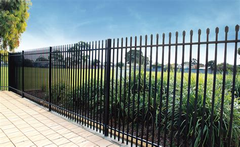 squash top security fencing stratco