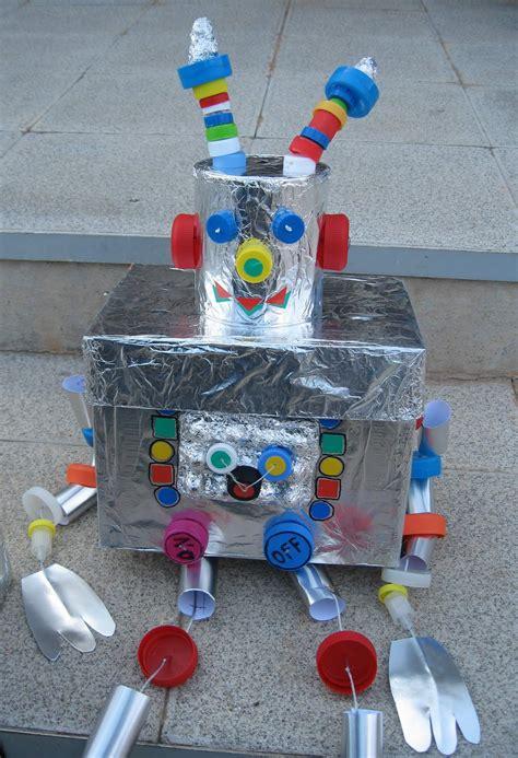 robot reciclado manualidades infantiles como hacer un robot reciclado robots de material reciclado para ni 241 os imagui