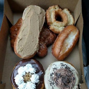 Tiramisu Glaze Regular Donat Glaze donut boy order 58 photos 37 reviews donuts