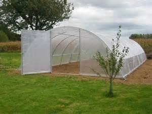 pour serre de jardin construire une serre de jardin la serre de jardin pour votre tunnel