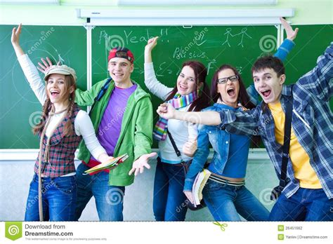 imagenes libres estudiantes group of young happy students stock photo image 26451662