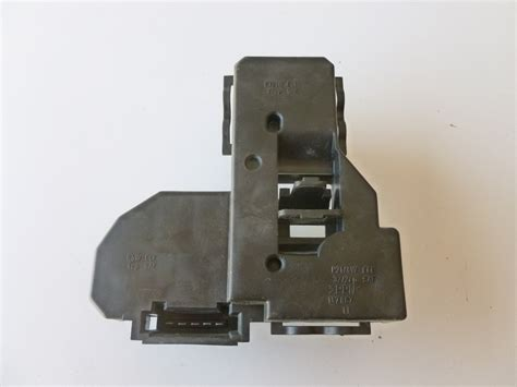 mercedes e320 tail light socket mercedes tail light socket board left 2088200864