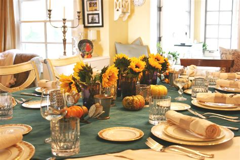 how to decorate a small table for thanksgiving thanksgiving table decoration ideas 9 interior design