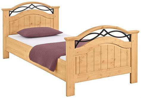 Kopfteil Am Bett Befestigen by Home Affaire Massivholz Bett 187 171 Mit Dekor Und