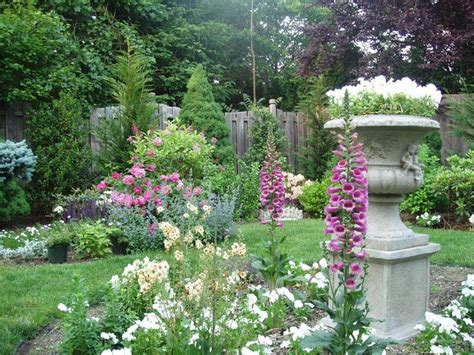 beautiful backyard gardens 18 inspirational and beautiful backyard gardens page 3 of 4