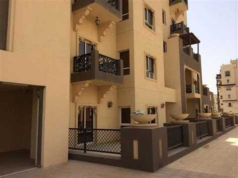 dubai rent apartment 1 bedroom 1 bedroom apartment to rent in remraam dubai land by al