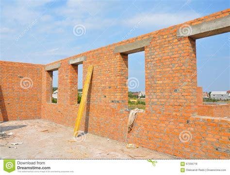 prix maison en brique int 233 rieur d une maison non finie de brique en