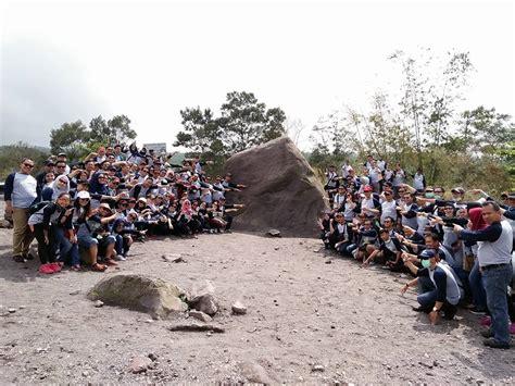 Batu Lava Magelang indahnya wisata merapi dan lost world castel