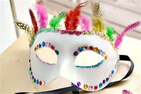 How To Decorate A Mask diy decorated masquerade mask