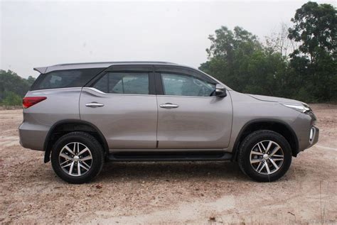 Unit Original Fortuner toyota fortuner 2 7 srz 4x4 test drive review drive safe and fast