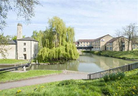 waterside bathrooms hotel travelodge bath waterside in bath starting at 163 53 destinia
