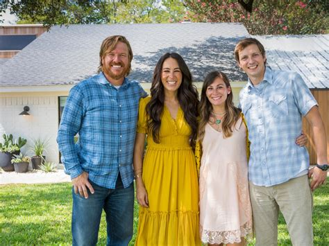 chip and joanna gaines home chip and joanna gaines are pregnant hgtv s fixer upper
