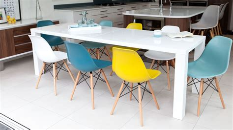 White Dining Table And Coloured Chairs Coloured Kitchen Table And Chairs Table Designs