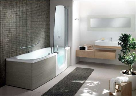 Moderne Badewannen by Badewannen Mit Dusche Und T 252 R Glas In Dimensionen 180x80