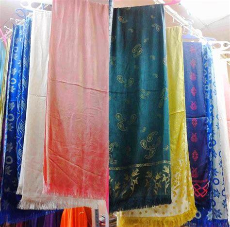 Jilbab Segi Empat Satin Polos Square Silk Satin 23 psm gantung 2 gabung 1 grosir asli pashmina