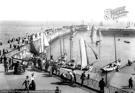 boat harbour club cinema photo of bridlington harbour 1913 francis frith