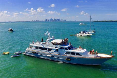 motor boat rental miami beach luxury boat rentals miami beach fl broward cruiser 5877